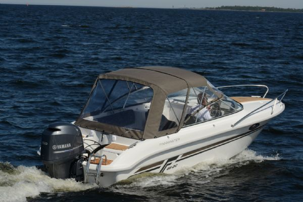 finnmaster 62 day cruiser with yamaha outboard engine - canopy_l