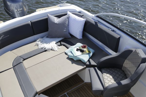 finnmaster 62 day cruiser with yamaha outboard engine - sun pad_l