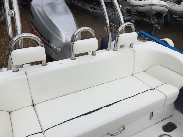 1429 - renegade 720 with mariner 150hp outboard engine and trailer - rear bench seat_l