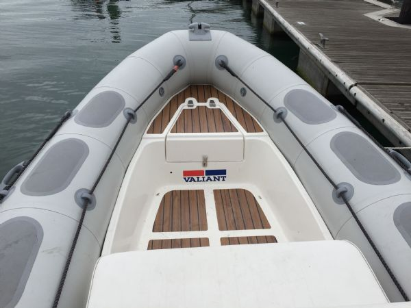 1424 - valiant 520 rib with mercury 50hp outboard engine and trailer - bow and anchor locker_l