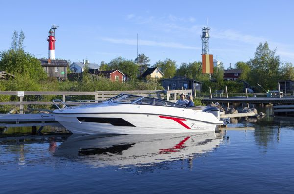 Click to see Finnmaster T7 Boat with Yamaha 200HP Outboard Engine
