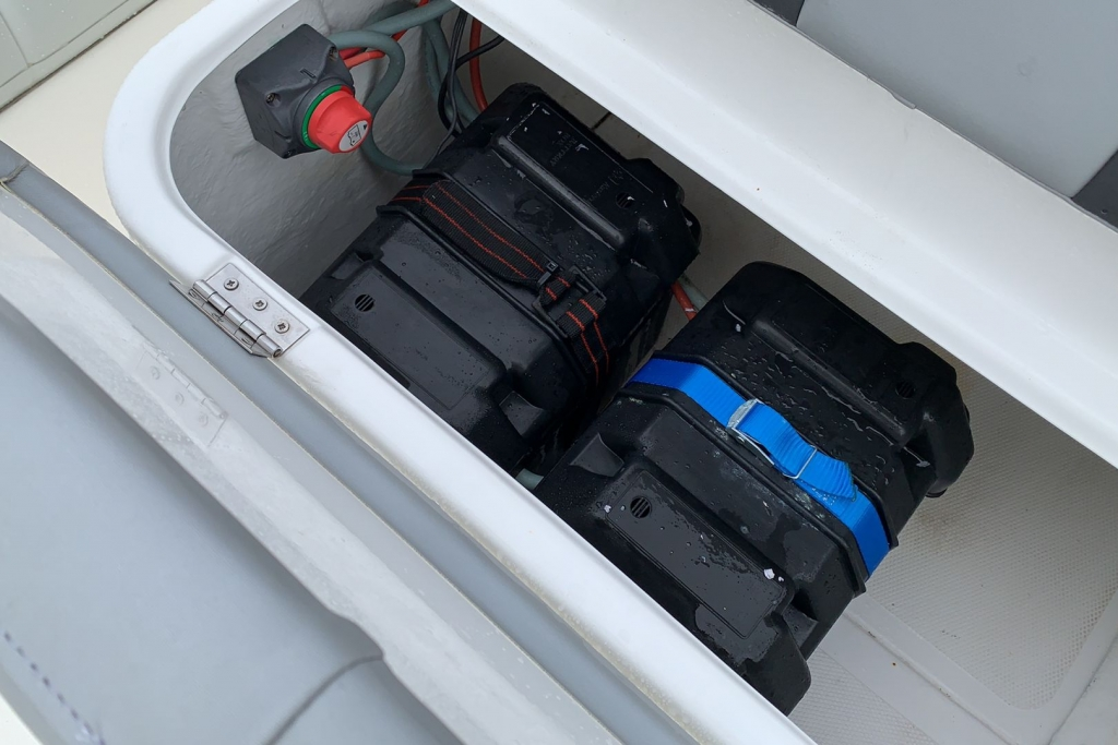 1565 - Stock - Ballistic 5.5 RIB with Evinrude ETEC 75 engine and Trailer - Battery Install