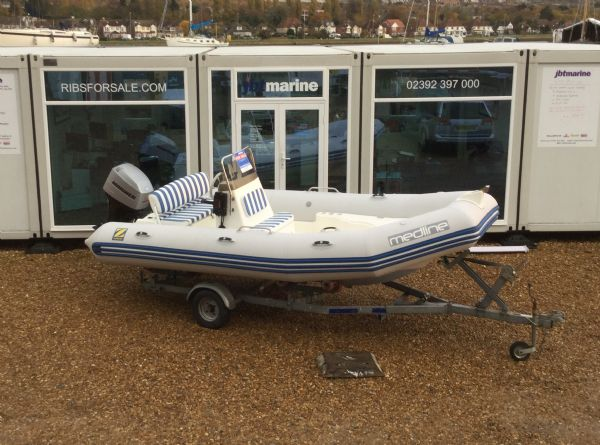 1409-zodiac-medline-rib-with-mariner-60hp-outboard-engine-and-trailer-main-shot-2-l - thumbnail.jpg