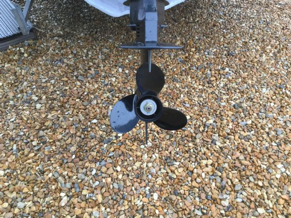 1409 - zodiac medline rib with mariner 60hp outboard engine and trailer - propellor_l