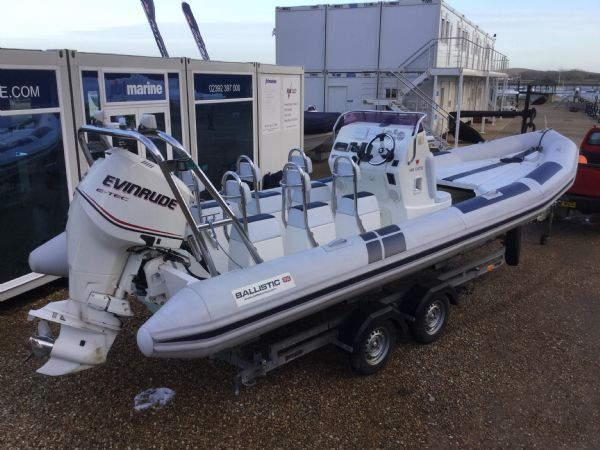 1419 - ballistic 7.8m rib with evinrude etec 250hp outboard engine and trailer - aft starboard qtr_l