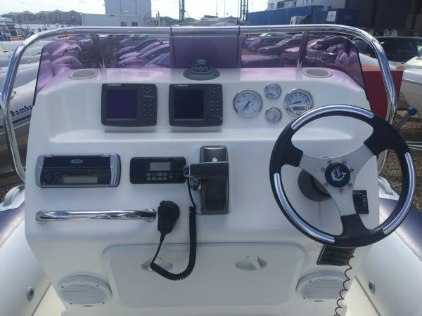 1419 - ballistic 7.8m rib with evinrude etec 250hp outboard engine and trailer - console electronics_l