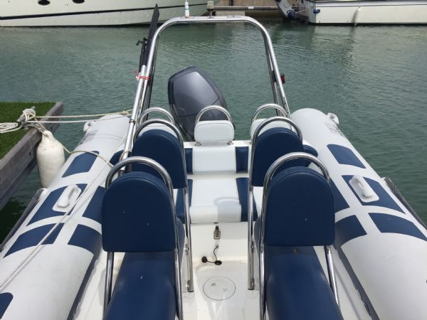 1415 ribeye 600 rib with yamaha f100 outboard engine - seating layout_l