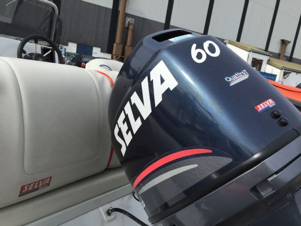 1416 - selva 510 rib with selva f60hp outboard engine and trailer - engine_l