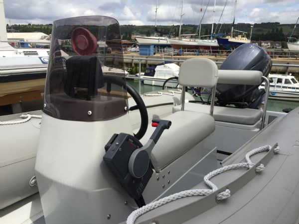 1414 - x pro sea rover 4.2m rib with yamaha f30hp outboard engine and trailer - helm_l