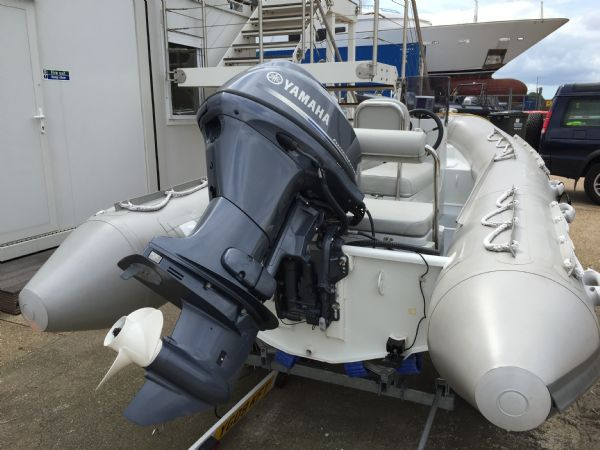 1414 - x pro sea rover 4.2m rib with yamaha f30hp outboard engine and trailer - stern_l