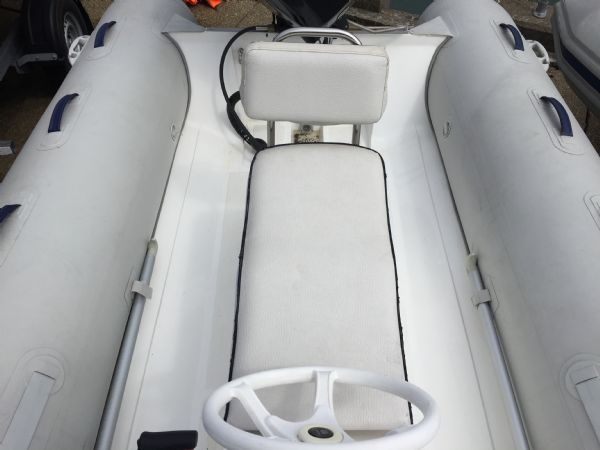 1407 - mercury 4.2m rib with mercury 40hp and trailer - console seat_l