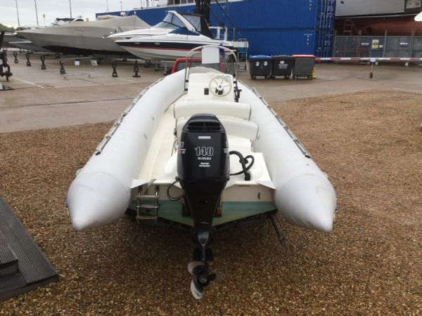 1393 - bombard 640 rib with suzuki 140hp outboard engine and trailer - aft_l