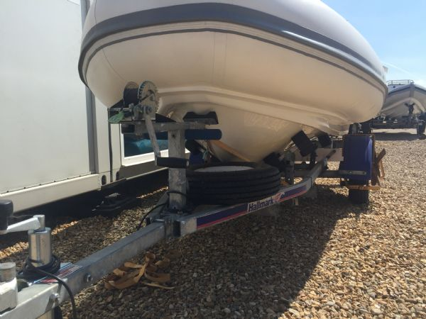 1406 - ballistic 3.4m rib with evinrude etec 40hp outboard engine and trailer - hull_l