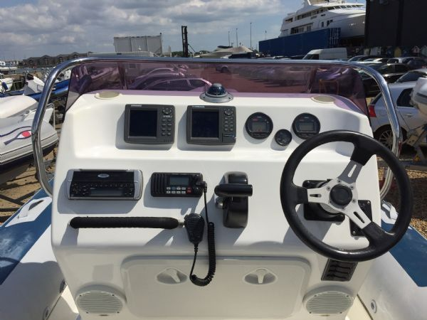 1404 ballistic 7.8m rib with yamaha 250hp outboard engine and trailer - console_l