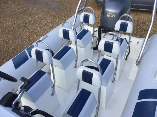 1404 ballistic 7.8m rib with yamaha 250hp outboard engine and trailer - jockey seat layout_l