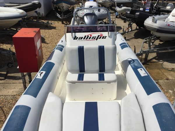 1404 ballistic 7.8m rib with yamaha 250hp outboard engine and trailer - overview from bow_l