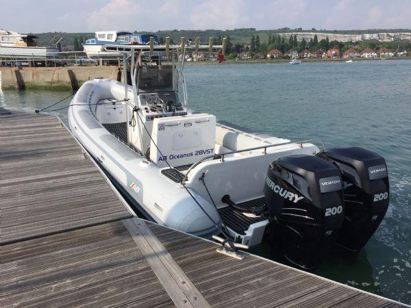 1397 ab oceanis on water stern_l