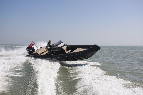 shearwater-890-rib-with-mercury-verado-300-outboard-crossing-wake-l - thumbnail.jpg