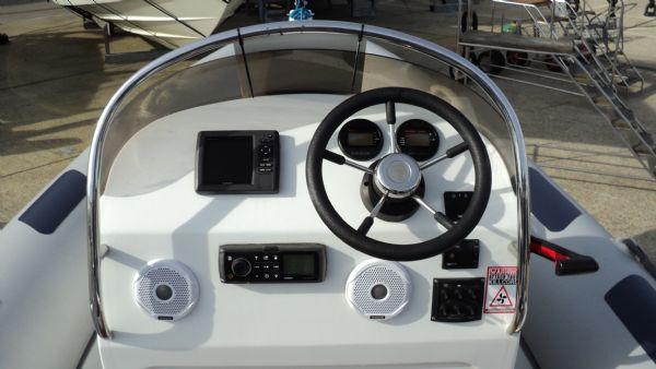 stock - 1355 - ribeye 600 rib with yamaha f100det engine - console_l