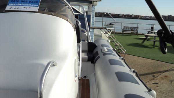 stock - 1355 - ribeye 600 rib with yamaha f100det engine - port walkway_l