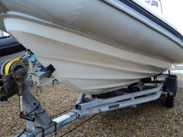 1378 - ballistic 6.5 rib with etec 200 portside hull_l