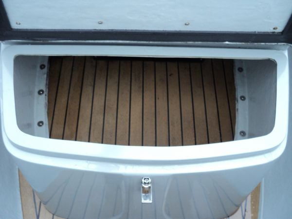 stock - ribquest 6.3 mtr with suzuki df140 - console seat storage_l
