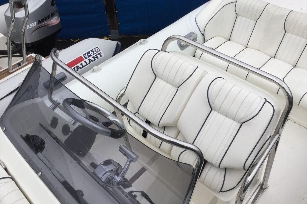 1629 - Brokerage - Cobra 8.6 RIB with Mercury Verado 275 engine - Seating folded