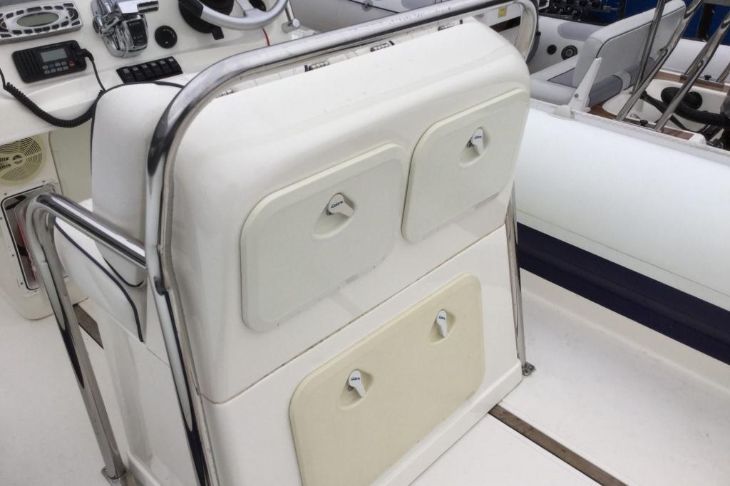 1629 - Brokerage - Cobra 8.6 RIB with Mercury Verado 275 engine - Seating storage closed
