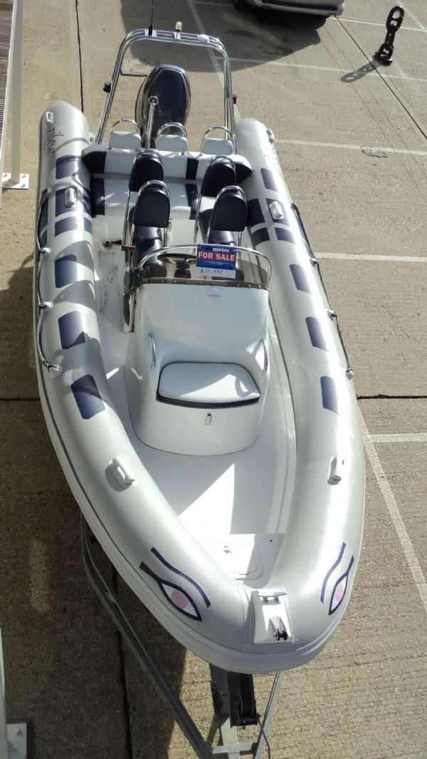 stock - 1352 - ribeye 600 rib with yamaha f115aet engine - above front_l