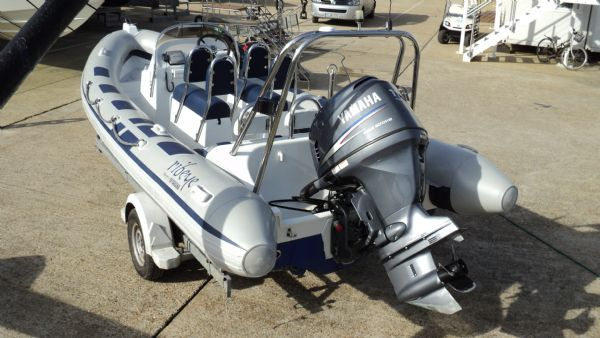 stock - 1352 - ribeye 600 rib with yamaha f115aet engine - rear port quarter_l