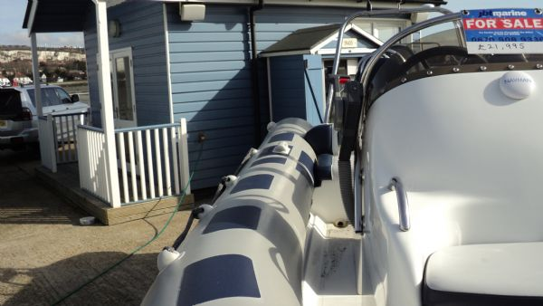 stock - 1352 - ribeye 600 rib with yamaha f115aet engine - starboard walkway_l