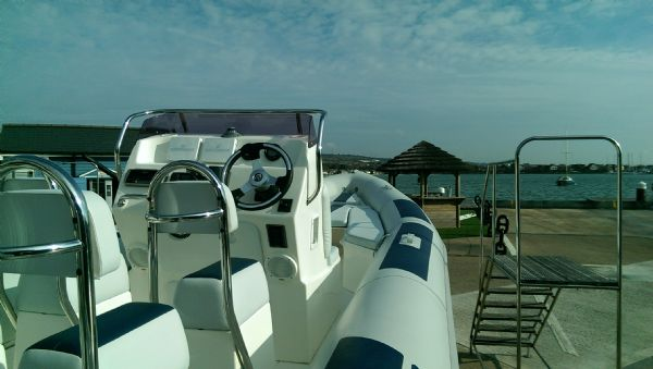 ballistic 7.8 rib with evinrude etec 300 - helm side shot 2(2)_l