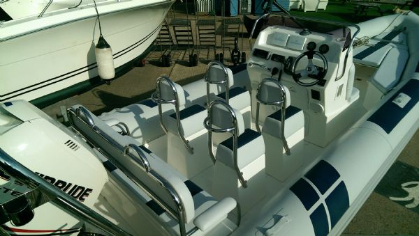 ballistic 7.8 rib with evinrude etec 300 - seating(2)_l