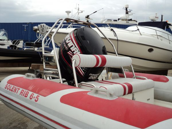 stock - solent rib 6.5 with evin 200 tag 1173 stern_l