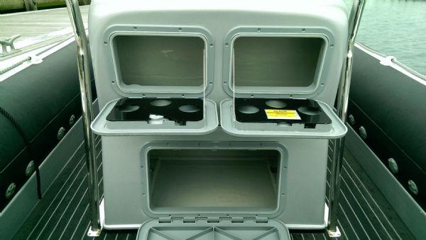 cobra 7.6 rib with 250 mercury verardo - helm seat storage_l