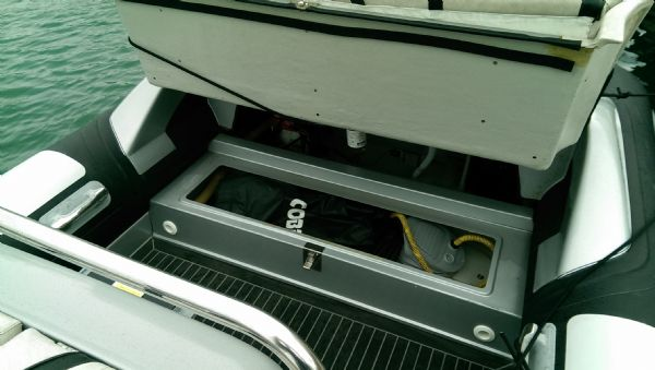 cobra 7.6 rib with 250 mercury verardo - rear bench storage_l