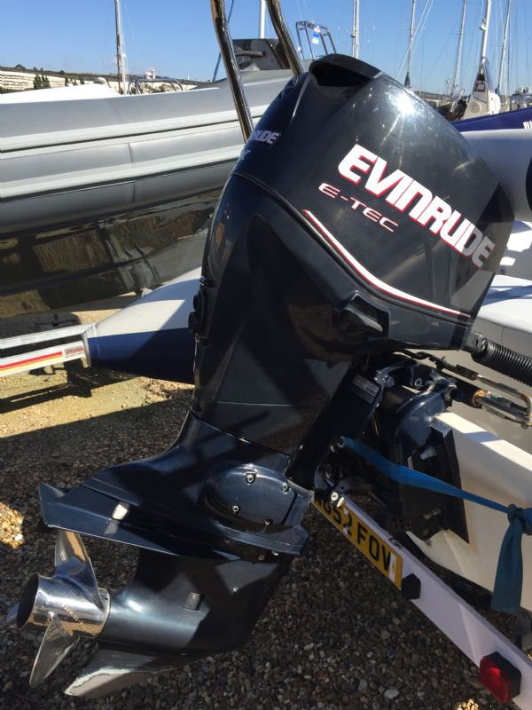 ballistic 5.5 rib with evinrude 90 - engine_l