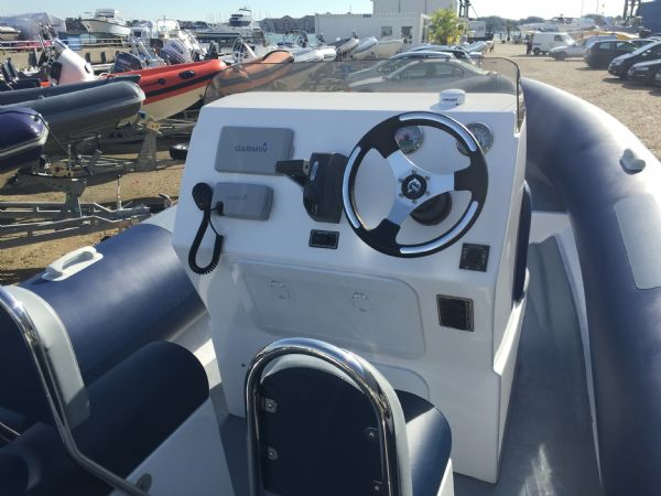 ribtec 740 rib with evinrude 250ho - helm position_l