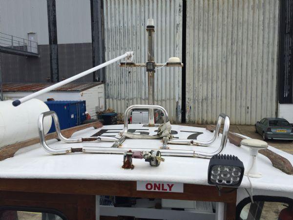 cygnus marine 21 fishing boat with beta 35hp diesel - liferaft holder_l
