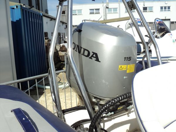 avon 560 rib with honda 115 outboard motor - couling 2_l
