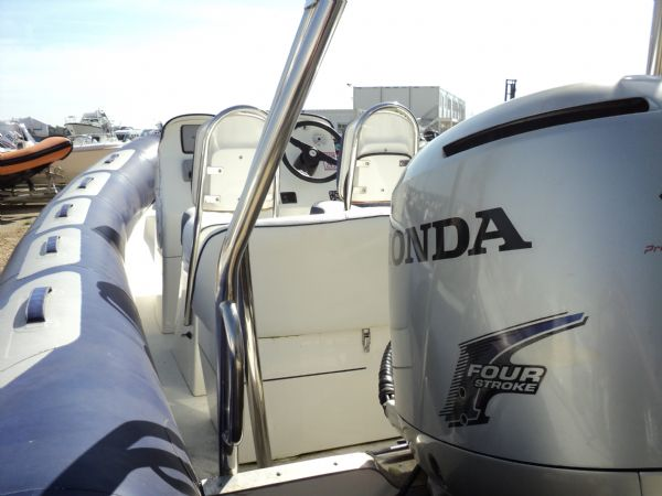 avon 560 rib with honda 115 outboard motor - couling_l
