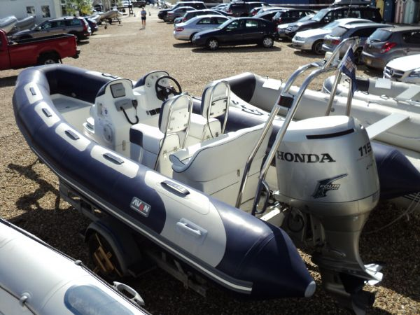 avon 560 rib with honda 115 outboard motor - stern_l
