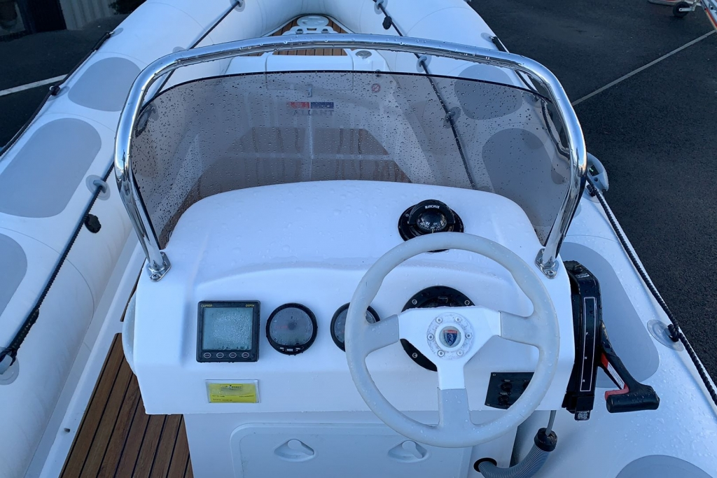 1624 - Stock - Valiant 620 RIB with Mercury Optimax 150 engine and trailer - Helm