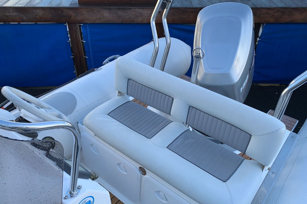 1624 - Stock - Valiant 620 RIB with Mercury Optimax 150 engine and trailer - Rear bench