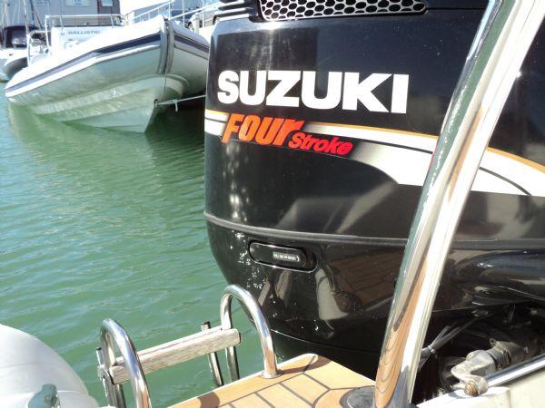 cobra 7.5 rib with suzuki 250 - engine_l
