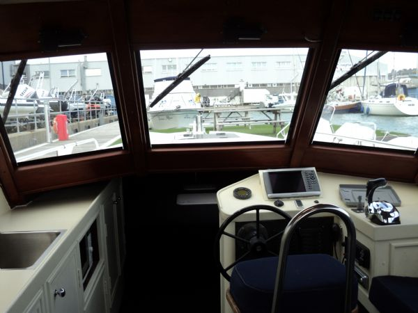 cabin rib suzuki 300 hp 0110_l