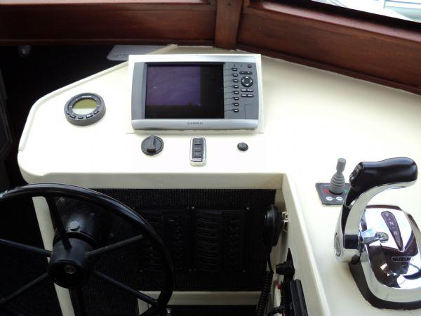 cabin rib suzuki 300 hp 0111_l