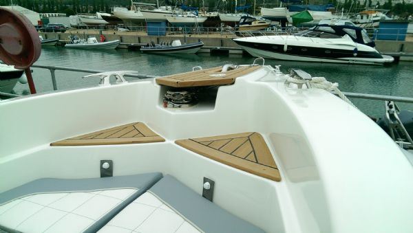 marlin 23 rib with yamaha f300 - anchor winch_l