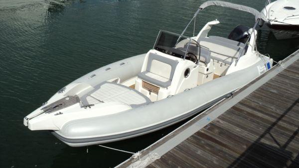 marlin-23-rib-with-yamaha-f300-main-on-water-l - thumbnail.jpg