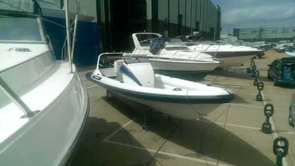 scorpion 8.5m rib with twin mercury 225 (1)_l